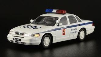 Ford Crown Victoria белый (DeAgostini)